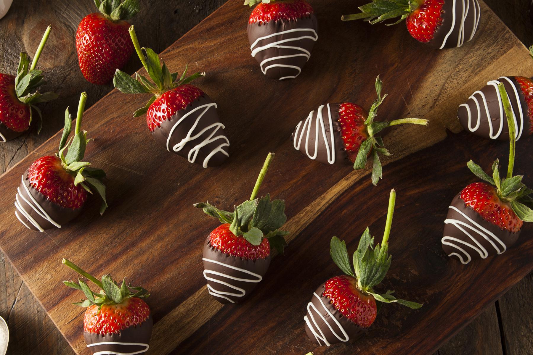 Gringo's Chocolate Dipped Berries